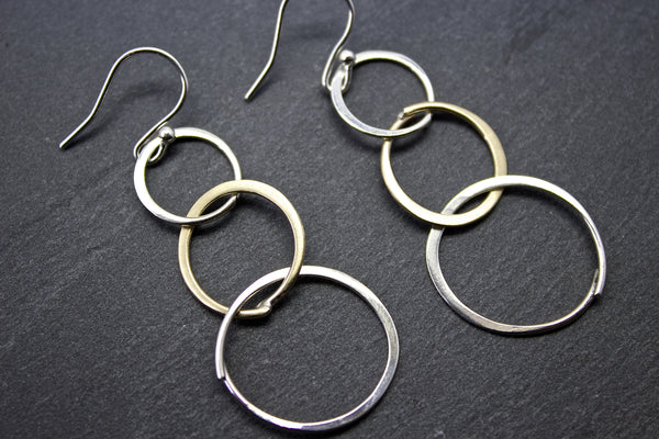 Earrings with three circles