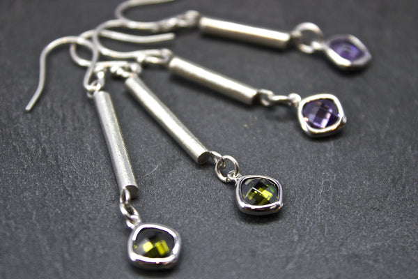 Earrings with silver bar and semi-precious stones