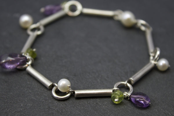 Bracelet with silver bars and semi-precious stones