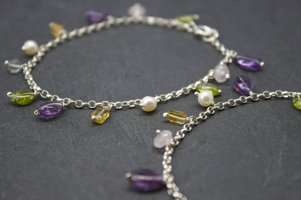 Bracelet with hanging semi-precious stones and pearls