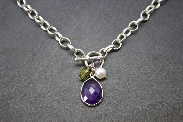 Necklace with semi-precious stones and freshwater pearls