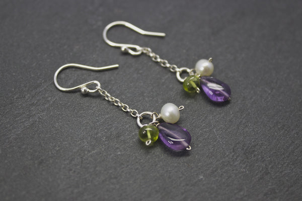 Earrings with chain drop and semi-precious stones