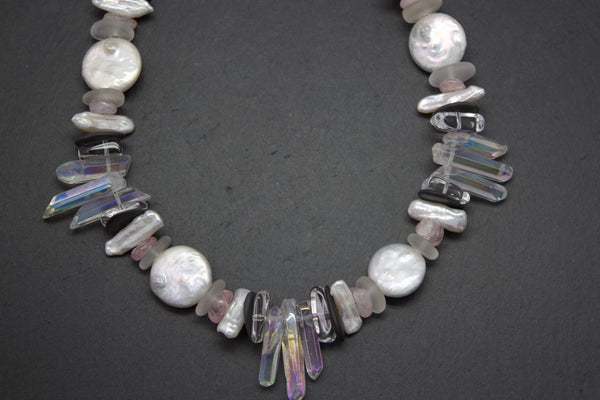 Necklace with rock crystal and pearls