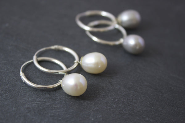 Earrings with hoops and freshwater pearls