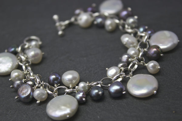 Bracelet with coin freshwater pearls