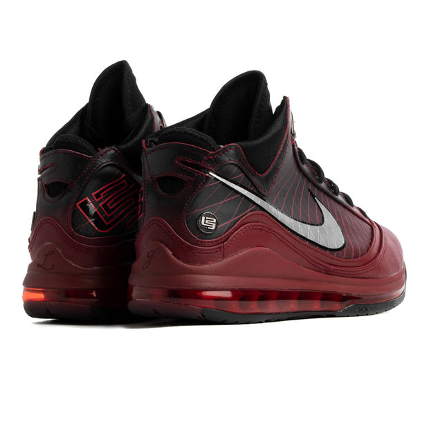 LeBron 7 Retro QS 'Christmas'