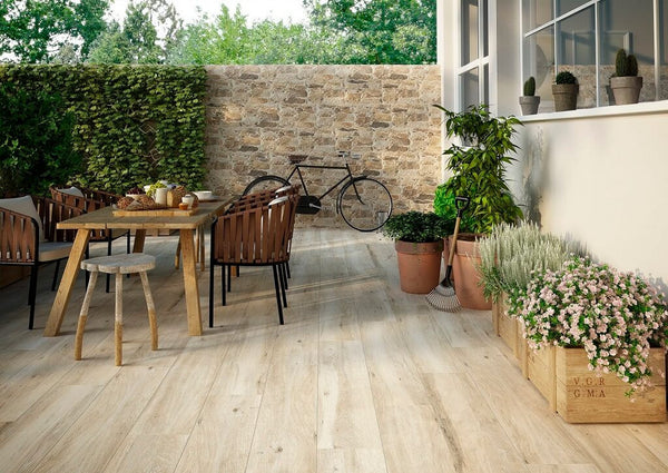 Wood Look Patio Constructed with Zero-Maintenance Porcelain Tiles