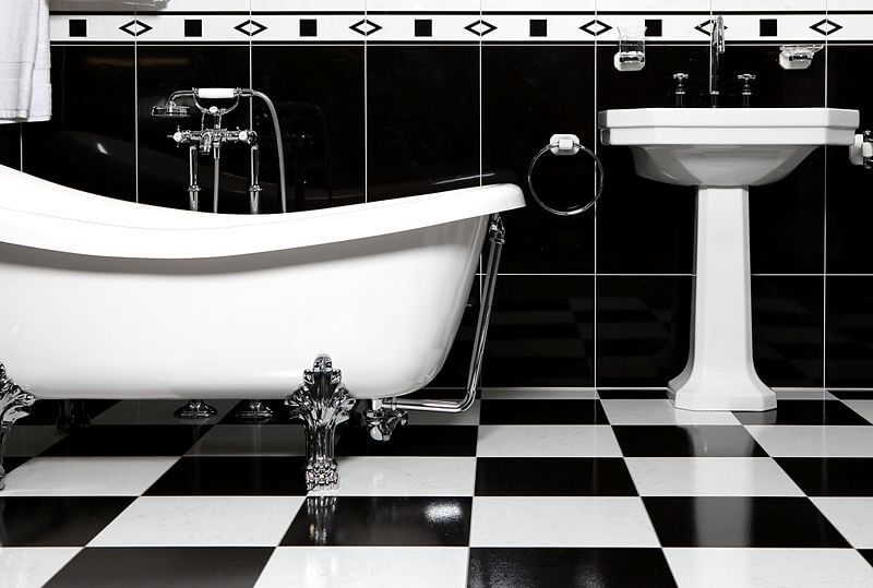 Black and White Tiles in Elegant Bathroom