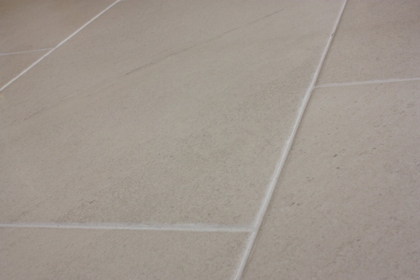 Wall and floor tiles for beautiful kitchens and bathrooms hermes white floor tiles dailygadgetfo Choice Image