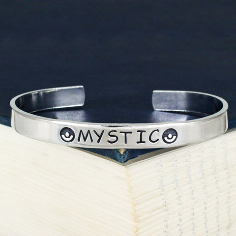 Team Mystic Bracelet - Pokeball - Video Games - Aluminum Bracelet