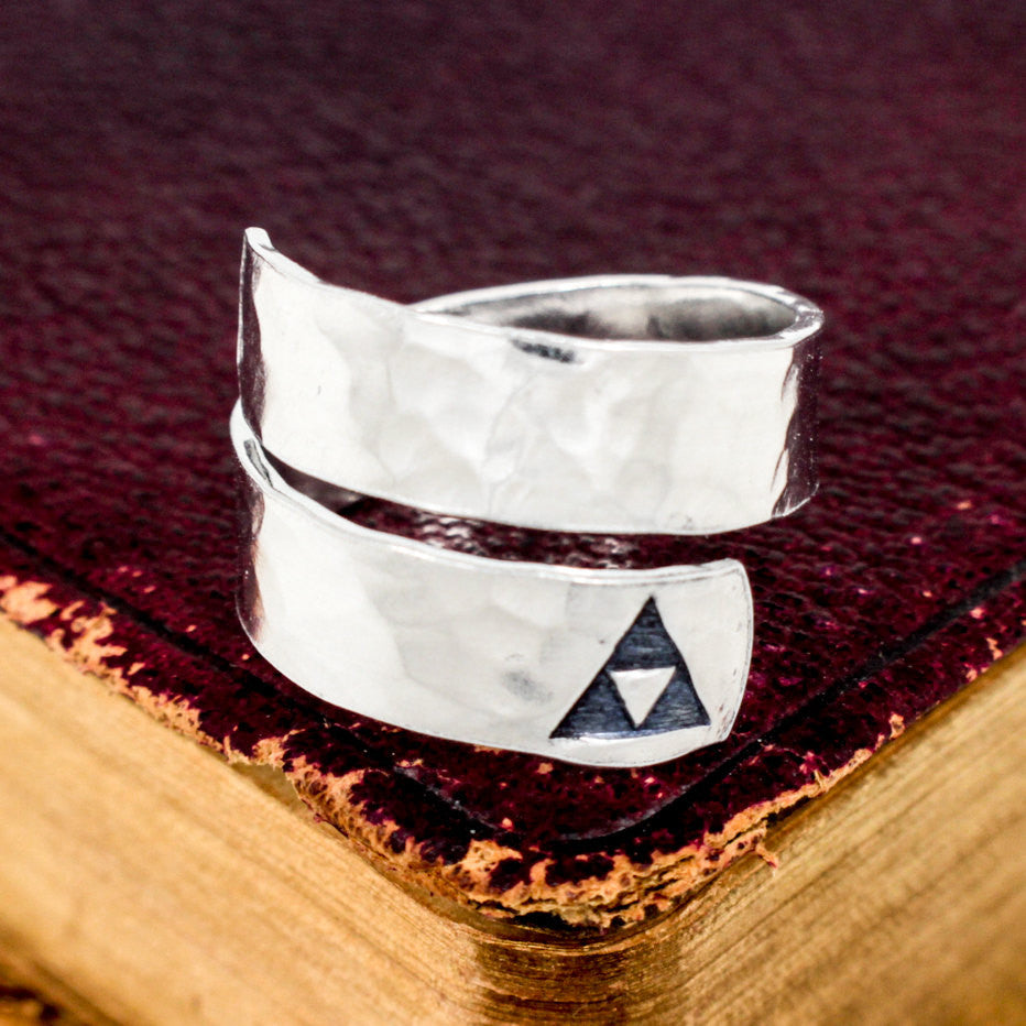 Triforce - Legend of Zelda - Adjustable Aluminum Wrap Ring