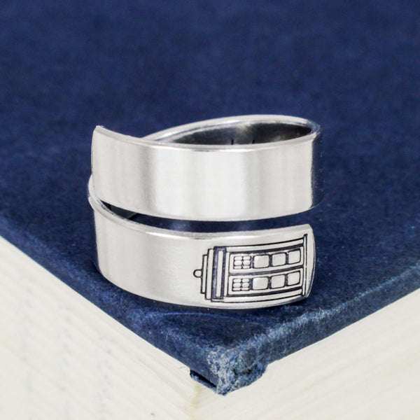 Bigger on the Inside Ring - Doctor Who - Tardis -  Wrap Ring - It Came From the Internet