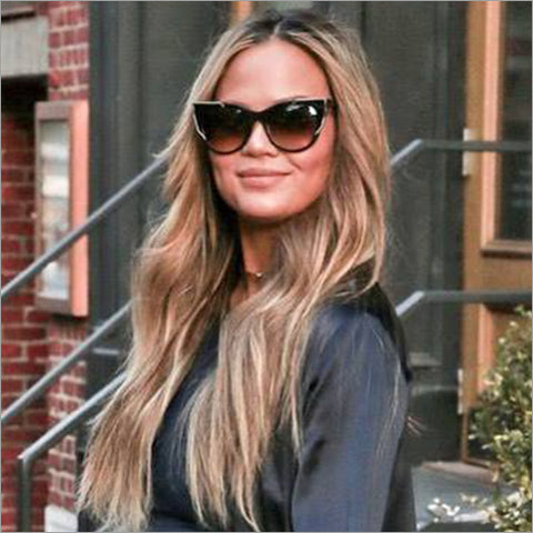 Chrissy Tiegen | Thierry Lasry Butterscotchy in Black & Gold (101)