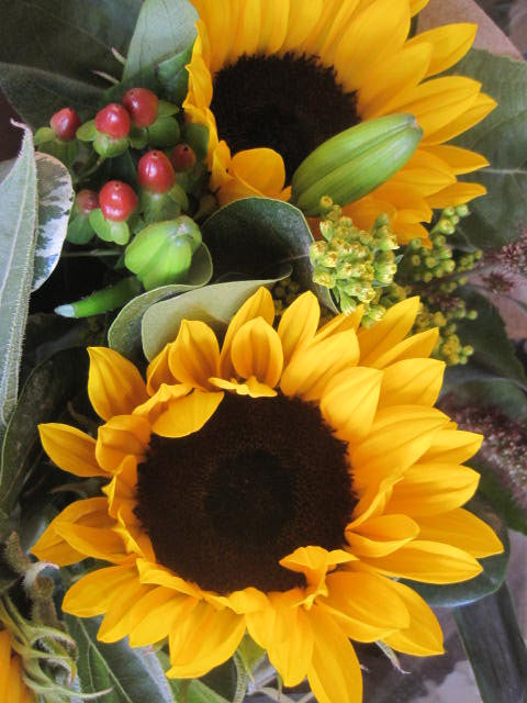 An Autumn wedding meant Sunflowers and Rosehips.