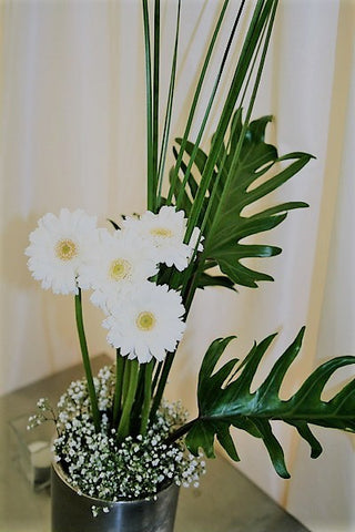 Contemporary floral arrangement for corporate events