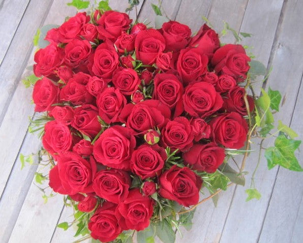 Rose funeral heart tribute flowers