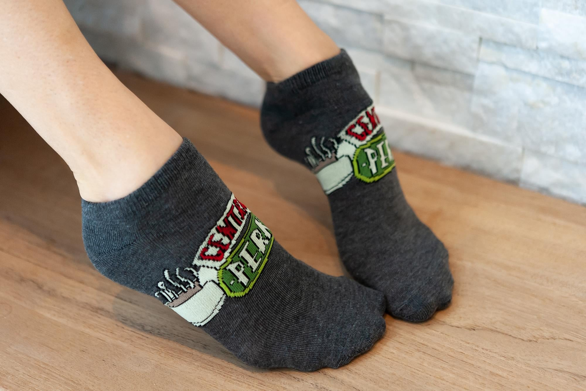 Friends TV Series Themed Quotes Novelty Ankle Socks for Men & Women - 5 Pairs