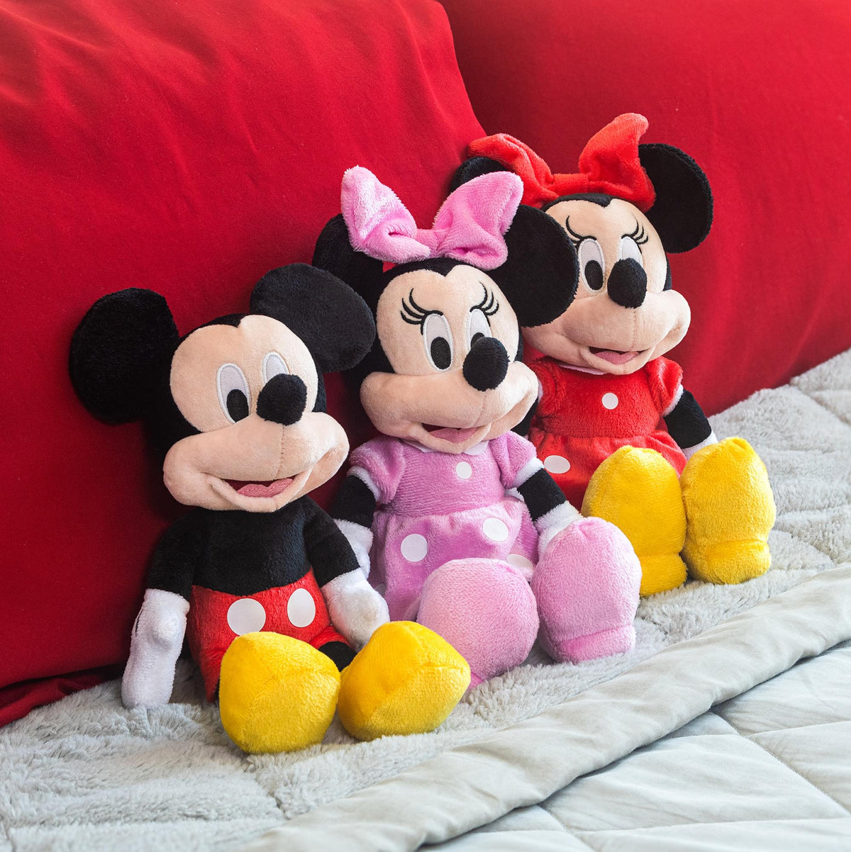 Disney Minnie Mouse 11 inch Child Plush Toy Stuffed Character Doll