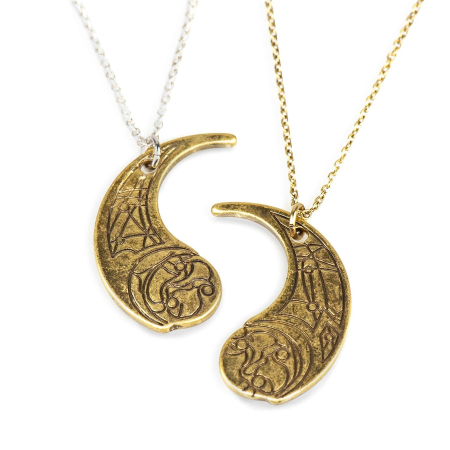 Star Wars: The Last Jedi Crescent Moon Haysian Smelt Pendant Necklace