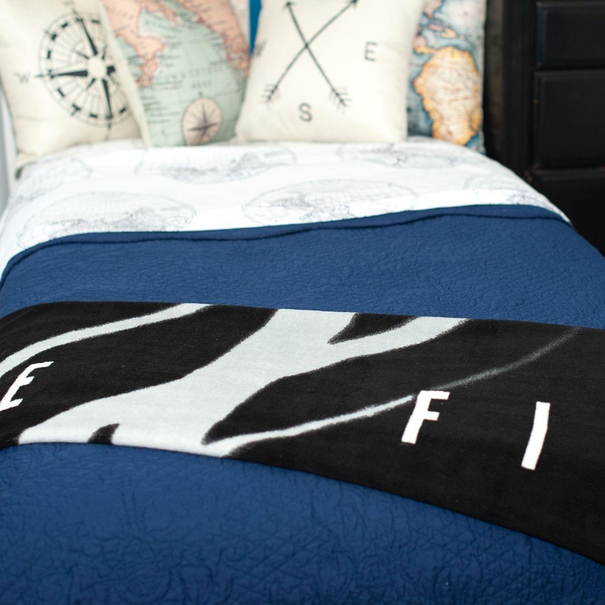 The X-Files I Want To Believe Lightweight Fleece Throw Blanket | 50 x 60 inches