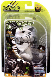 Fingerlings Untamed Sabretooth Interactive Collectible Dinosaur - Silvertooth