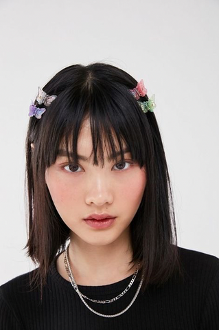 hair with butterfly clips