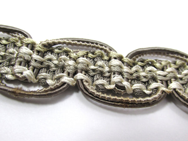 Gray Beige Double Scalloped 1 Inch Heavy Decorator Gimp Trim-Trims-Odyssey Cache