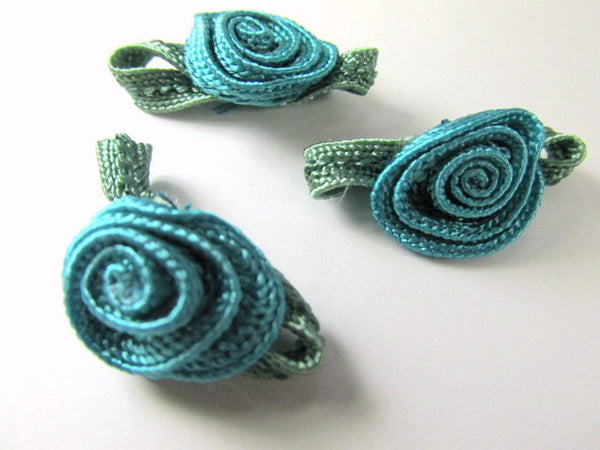 Crochet Flower Appliques in Teal with Olive Leaves (3) - Odyssey Cache