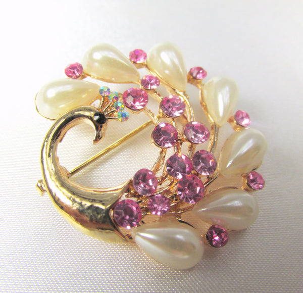 Small Peacock Brooch in Pink Crystals and Ivory Pearls in Gold - Odyssey Cache