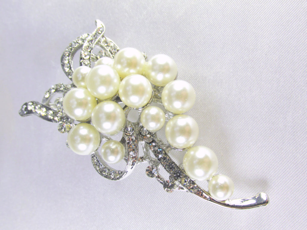 Ivory Off White Pearl Cascading Brooch in Silver - Odyssey Cache