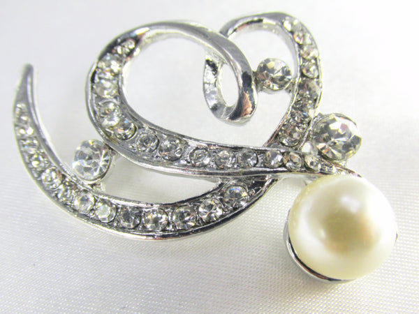 Ivory Off White Pearl Heart Brooch in Antique Silver-Brooch-Odyssey Cache