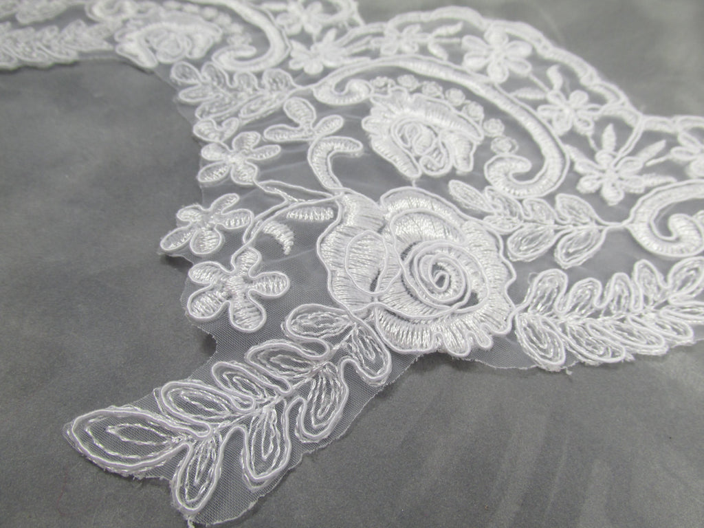White Bridal 5.5 Inch Rose Floral Lace Trim - Odyssey Cache - 1