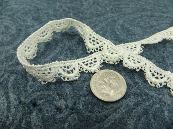 SALE - Remnant Pieces Ivory 1/2 inch Narrow Scalloped Venise Lace Trim-Trims-Odyssey Cache