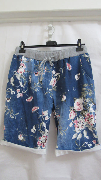 NEW Ladies Dark Blue Floral Shorts One Size Fits Sizes 18 20 22 PLUS SIZE