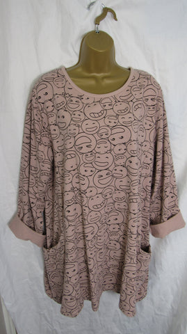 NEW Ladies Dusky Pink Smiley Face Pocket Tunic Top One Size Fits 18 20 22 24