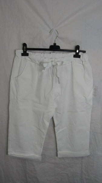 NEW Ladies White Stretchy Peddle Pushers One Size Fits 20 22 Size 3