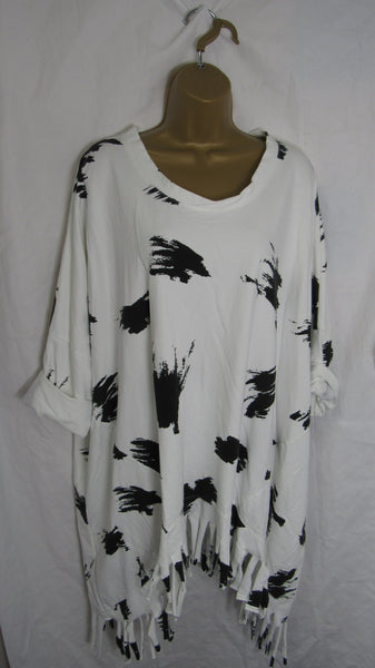 NEW Ladies Winter White with Black Print Tassel Tunic Top One Size Fits 18 20 22 24 26 28