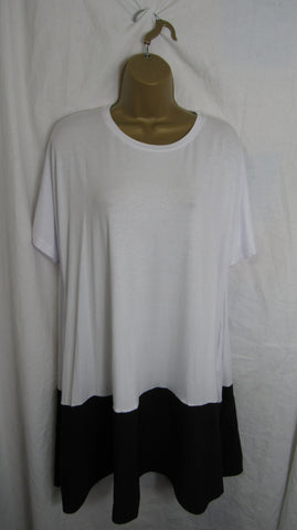 Ladies Italian White with Black Bottom Tunic Top t-shirt One Size Fits 16 18 20 22