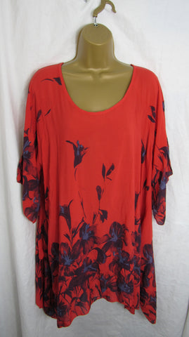 NEW Ladies Red Floral Tunic Handkerchief Hem Top One Size Fits 16 18 20 22