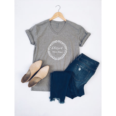 Blessed mama wreath tee - Jane Avenue