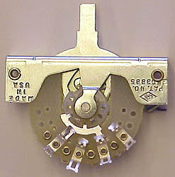 3-position contact switch for half moon switch case