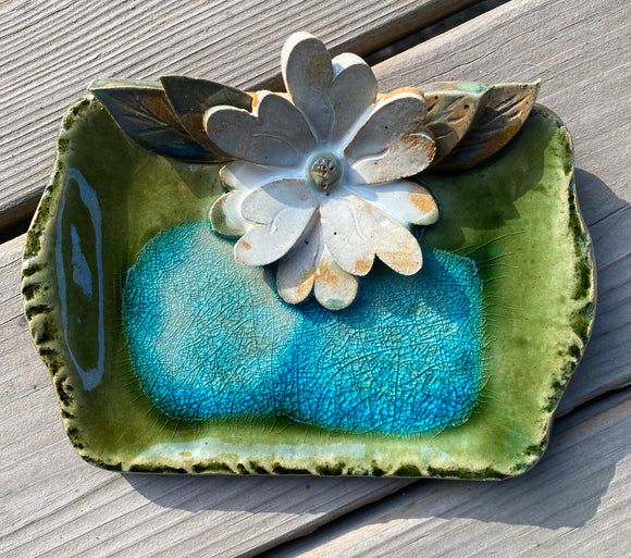 "7"" Soap Dish with Flower and Glass design"