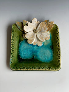 "6"" Square Green Tray with Hand Made Flower"