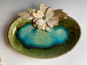 "11"" Oval Green Tray with Hand Made Flower & Melted Glass"
