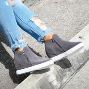 Exposed Zipper Grey Sneakers