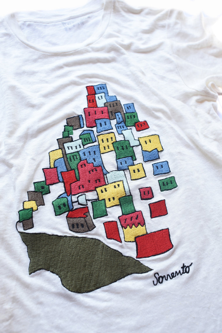 embroidered linen tee shirt of Sorrento houses