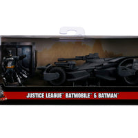 2017 JUSTICE LEAGUE BATMOBILE W/BATMAN 1:32