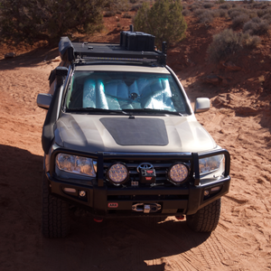 cascadia 4x4 hood mounted solar panel on toyota landcruiser 200 series