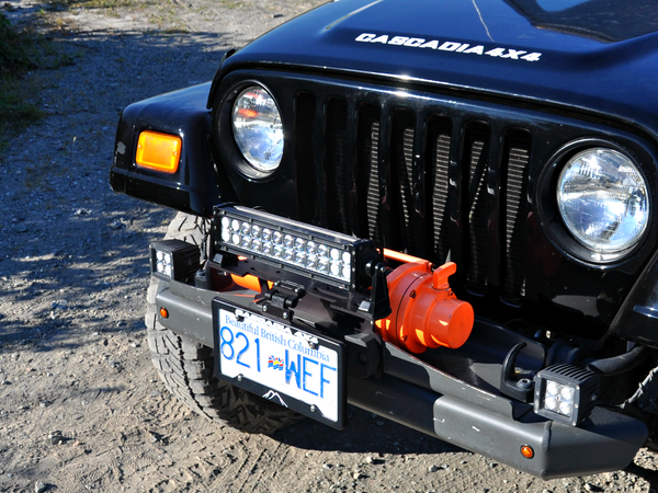 cascadia 4x4 flipster lite led mounting system with led light bar