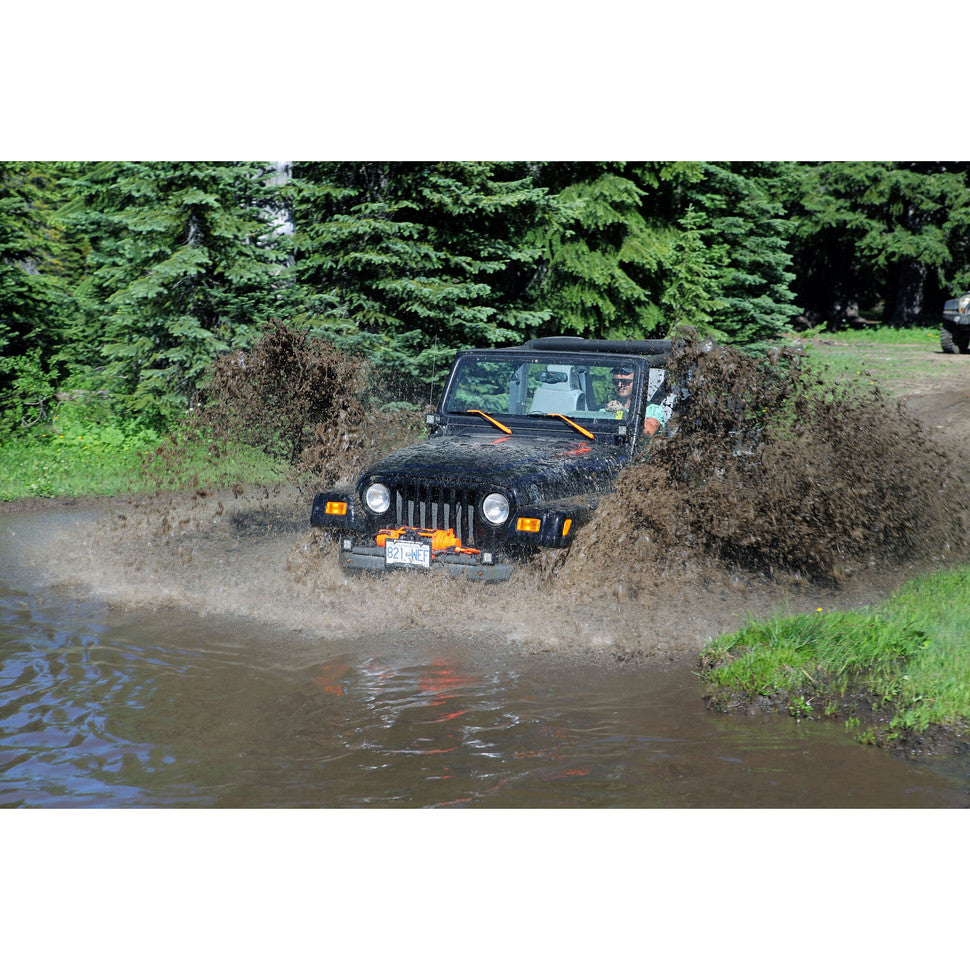 jeep wrangler lj unlimited tj driving through water with cascadia 4x4 flipster